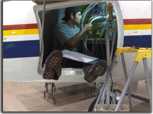 Aircraft Avionics Installations at Maxcraft